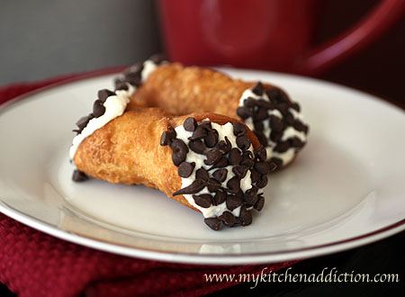 Cannoli Dessert Pizza And Chocolate Cannoli Pizzettes Recipes ...
