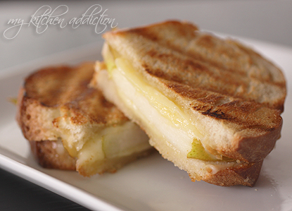 Whiskey Cheddar and Pear Grilled Cheese – my kitchen addiction