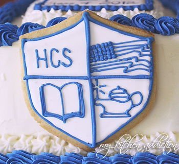 After Sharing The Graduation Cake I Decorated Over The Weekend I Promised To Share A Few Tips For Decorating Cookies With Royal Icing
